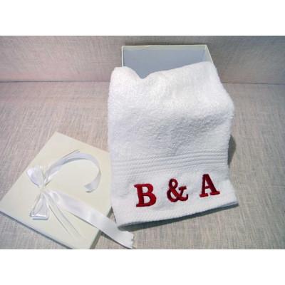 Πετσέτες σώματος με κεντημένο όνομα